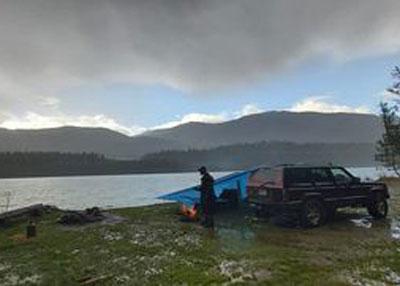camping-on-lakeshore-david-vander-leest